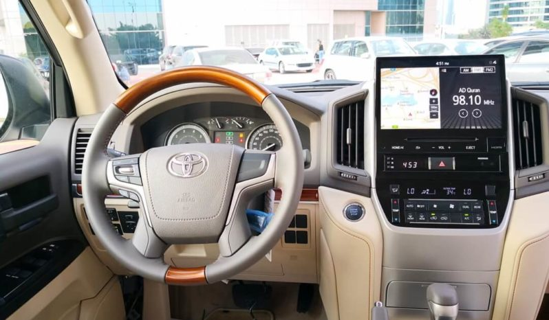 Rent a 2018 Toyota Land Cruiser in Dubai full
